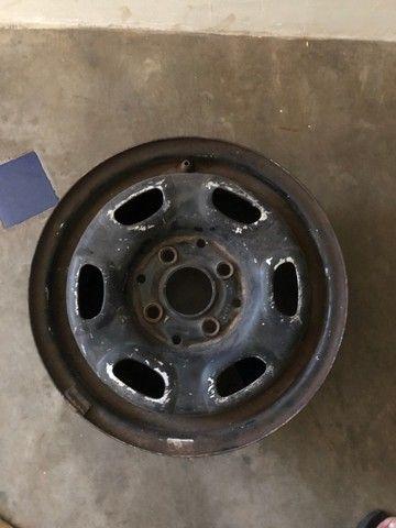 Roda aro 13, 4 furos serve para step