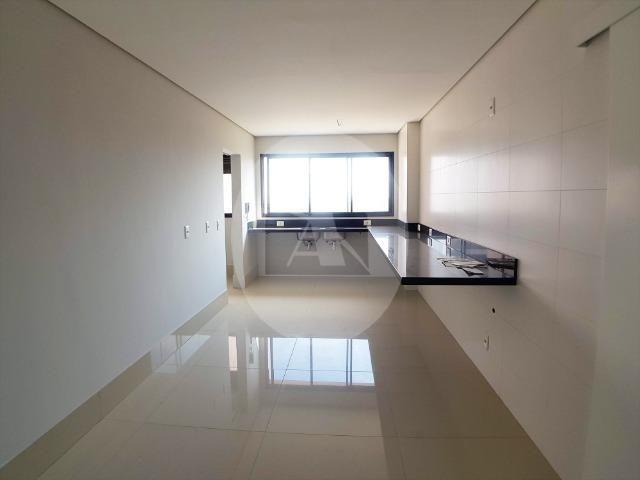 Apartamento duplex com 5 suítes sendo 1 master no Edifício Glam - Bairro Duque de Caxias - Foto 4