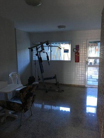 Apartamento em Olinda, 3 quartos sendo 1 suite, varanda, área de lazer, nascente - Foto 11