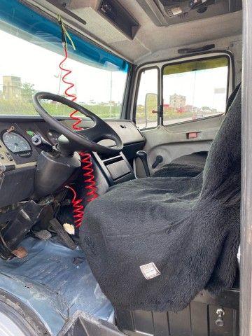 Mercedes-Benz 710 2006 tanque; MontK caminhões anuncia - Foto 8