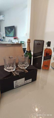 Combo (3 em 1) Whisky Jhonnie Walker + Chandon Réserve Brut + Copos de Whisky (Cristal) - Foto 2