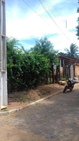 Terreno com casa na cidade de Brumado-ba