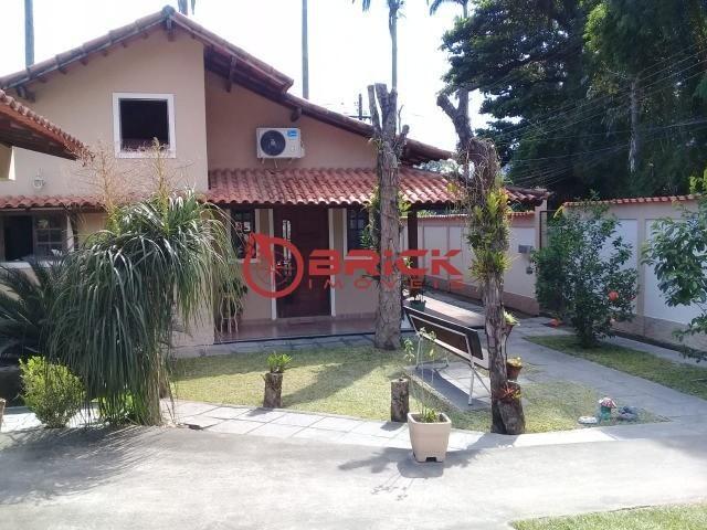 Ótima casa independente com 3 quartos sendo 1 suíte em Cotia- Guapimirim.