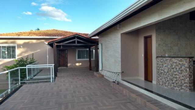Samuel Pereira oferece: Casa Sobradinho Grande Colorado Reformada 4 suites Churrasqueira