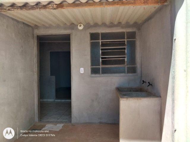Alugo casa no bairro Nova lima, próximo a tudo e com garagem para 4 carros - Foto 2