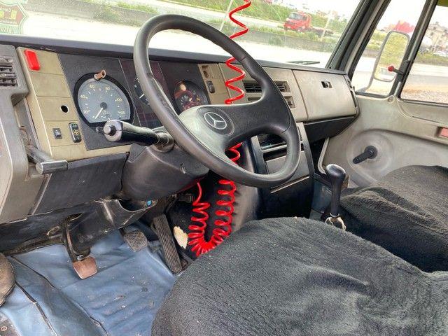 Mercedes-Benz 710 2006 tanque; MontK caminhões anuncia - Foto 9
