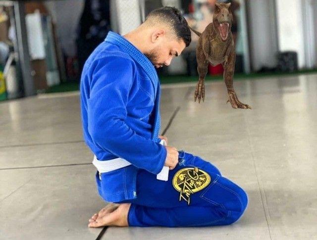 Kimono A3 Jiu Jitsu, Marca In the Guard azul, trançado semi-novo  - Foto 4