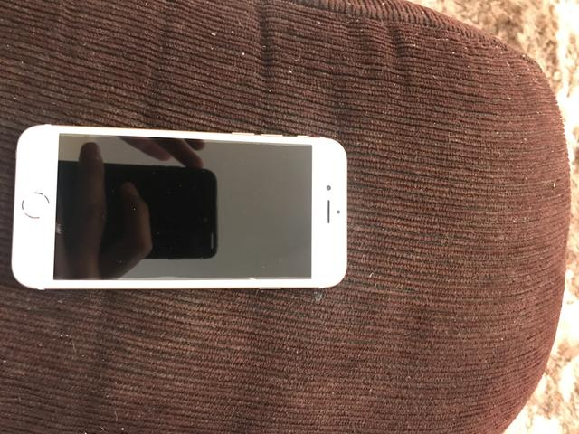 IPhone 6s 64 Gb 2,150 Semi Novo único dono 9 meses de uso