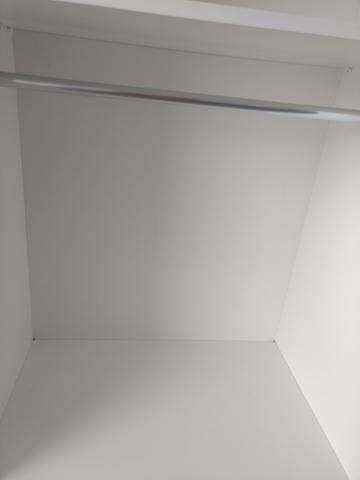 Armário expositor MDF portas de vidro 2 x 2 x 0,70m - Foto 2