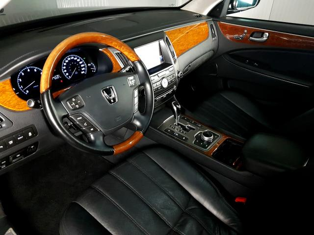 Hyundai EQUUS 4.6 V8 32V 366cv 4p Aut. - Preto - 2012 - Foto 11
