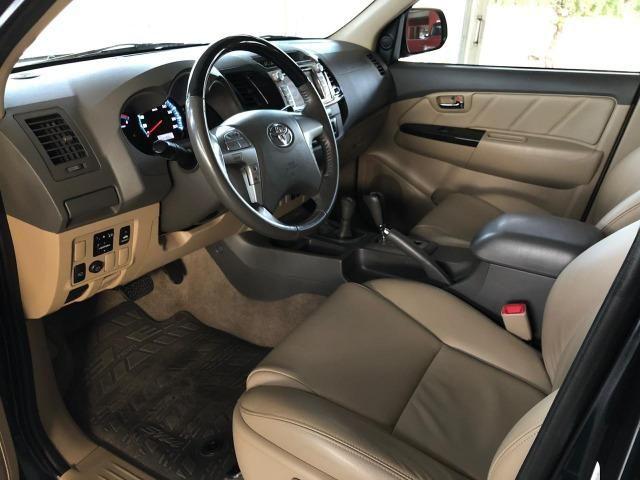 Toyota Hilux SW4 SRV_3.0D4-D_AUT._4X4_7LgareS_ExtrANoA_LacradAOriginaL_RevisadA - Foto 8