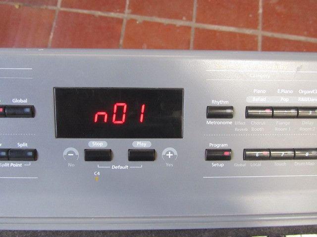 Kurzweil SP-2 parcelo cartão/ML aceito arranjador com ritmos - Foto 5