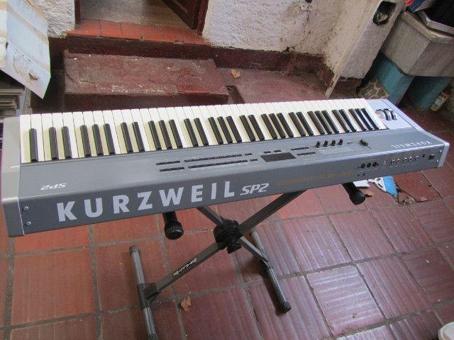 Kurzweil SP-2 parcelo cartão/ML aceito arranjador com ritmos - Foto 2