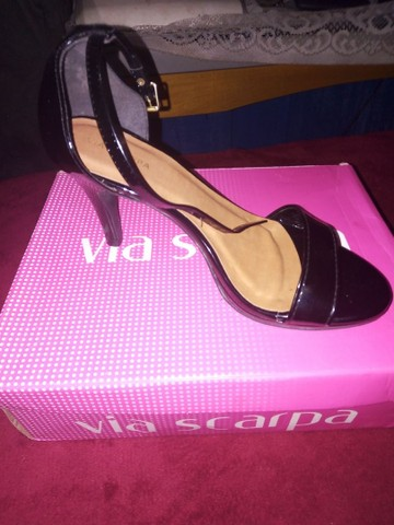Sapato feminino com caixa