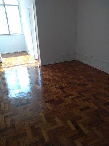 Apartamento para aluguel tem 59 metros quadrados com 2 quartos