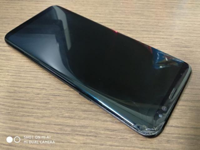Samsung Galaxy S8 - Preto - 64GB (Trincado). Não me interesso por trocas ou cartão.
