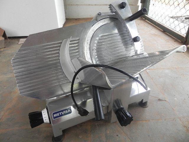 Cortador De Frios Semi Automatico Cfie 300 Metvisa