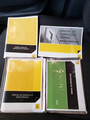 Renault clio expression 1.0 16v 4 portas completo 2013/2014 *único dono* placa i - Foto 13
