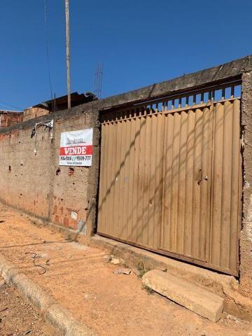 Casa 2 quartos, lote de esquina, QR 1029, próximo ao terminal rodoviário, Samambaia
