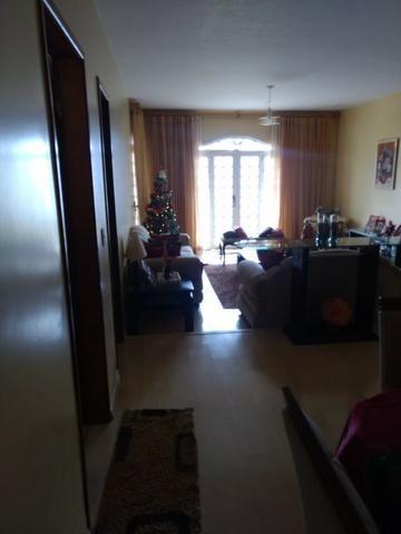 Casa 4 quartos | Piscina e ampla espaço de garagem | R$ 750 mil - Foto 8