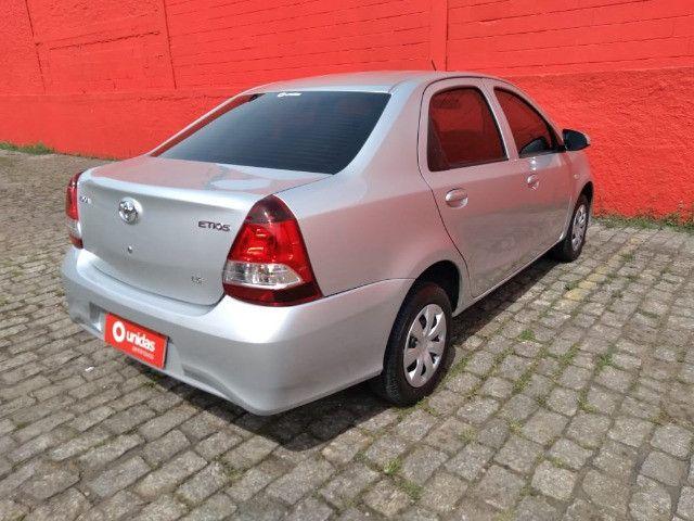 Etios 1.5 X Sedan 2020 Automático - Foto 8