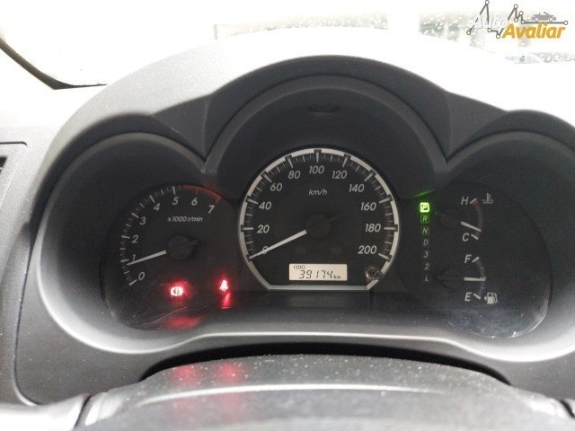 Hilux SW4 2.7 SR 4X2 flex Aut. 15/15 39.000 kms rodados - Foto 7