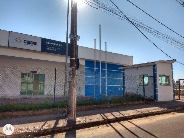 A = Excelente Casa com 260 M³ Sendo 03 Qts 02 Suítes 01 Home Office ! - Foto 4