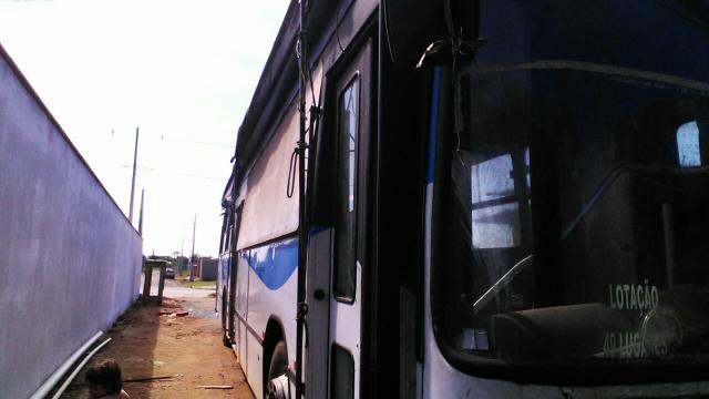 Ônibus pego caminhote barbada - Foto 4
