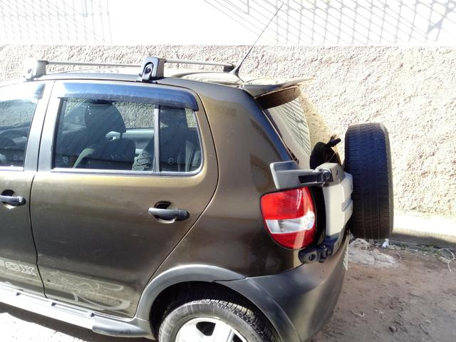Vendo vw cross fox ano 2008 ar gelando 2019 pago tudo ok - Foto 2