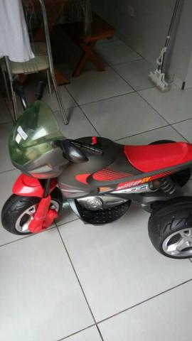 Moto elétrica bandeirantes