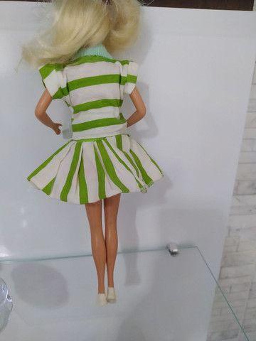 Conjunto de roupas com par de tênis para Barbie anos 80 . - Foto 4