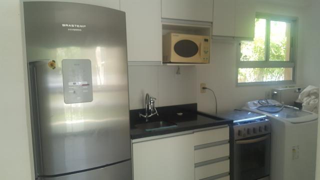 Apartamento semi mobiliado 2/4 com suite em Buraquinho próximo a estrada do coco - Foto 4