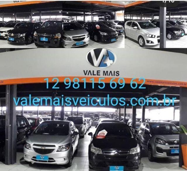 Toyota Corolla Sedan XEi 1.8 16V manual fazemos troca com troco - Foto 7