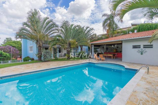 A Casa Azul! Térrea com 3 dormitórios e terreno de 1310m2 à venda no Condomínio Marambaia-