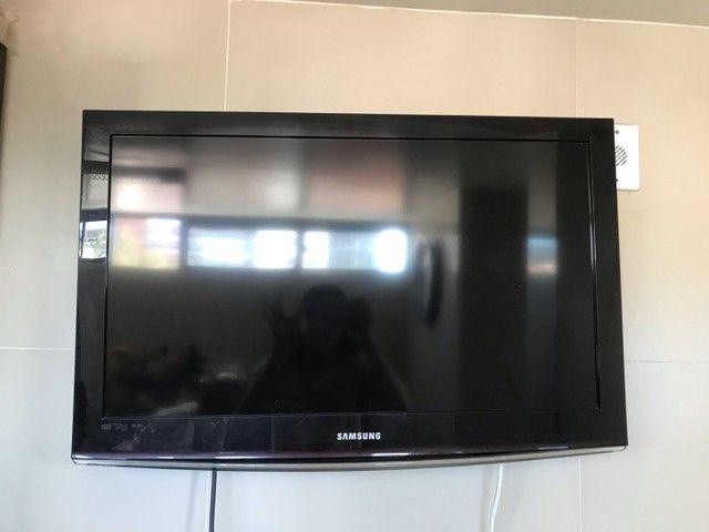 televisão quebrada