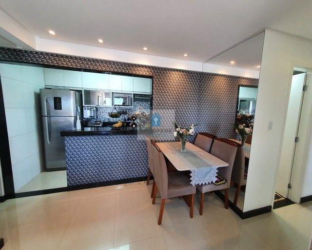 Apartamento de 2 quartos, finamente decorado em Pernambués - Foto 2