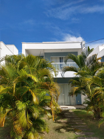 Casa 4/4, Semi mobiliada em cond fechado na Praia de Buraquinho em Lauro de Freitas<br><br>