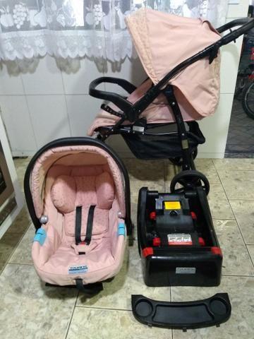 Carrinho com bebê conforto e base Burigotto