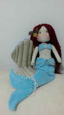 Sereia de pano feito a mão produto artesanal