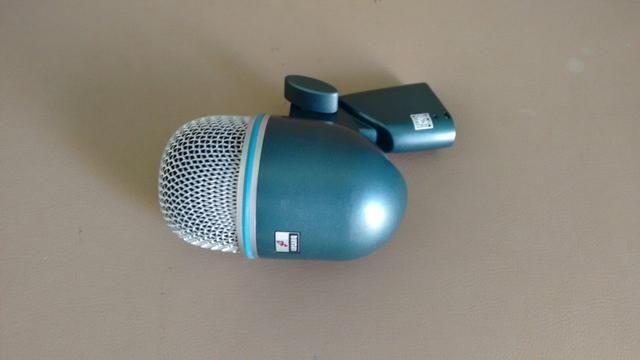 Microfone beta 52 arcano