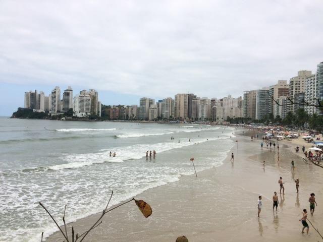 Apto praia Guarujá, Max. Família 5 pessoas, Excelente Localização, atrás da Afpesp