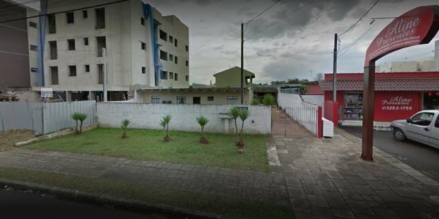 Terreno com 3 casas alugadas - Cidade Jardim - SJP
