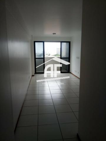 Apartamento para venda possui 91m² com 3 quartos localizado no bairro do Farol