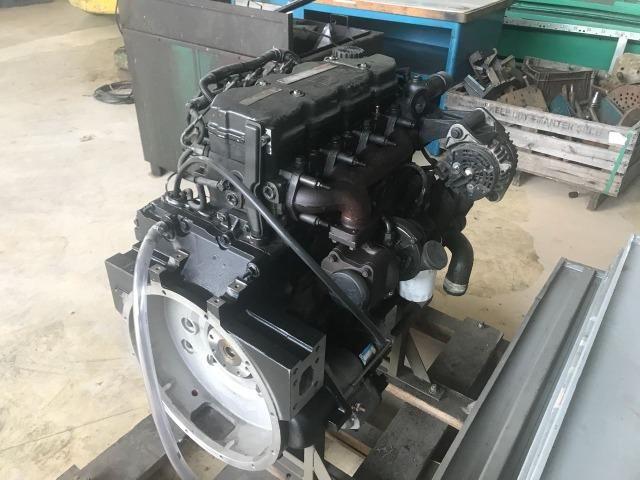 Motor diesel 170 HP Cummins ISBe4 usado - Foto 3