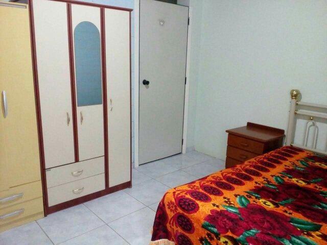 Alugo quartos masculinos para estudantes