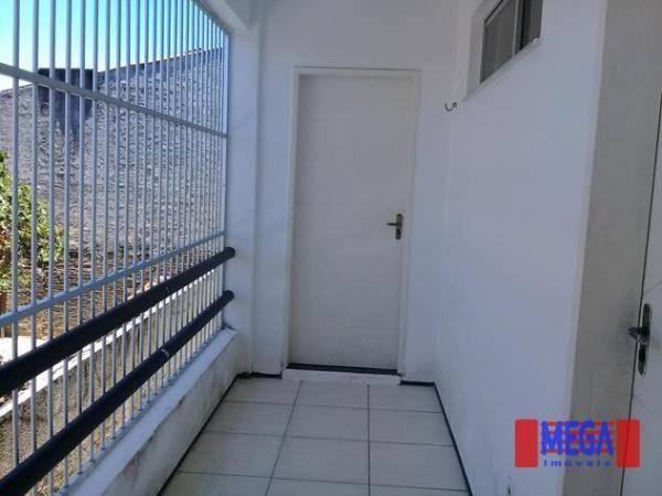 Apartamento com 2 dormitórios para alugar, 100 m² por R$ 1.100,00/mês - Amadeu Furtado - F - Foto 2
