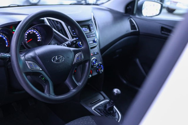 Hyundai HB20 1.0M UNIQUE - Foto 5
