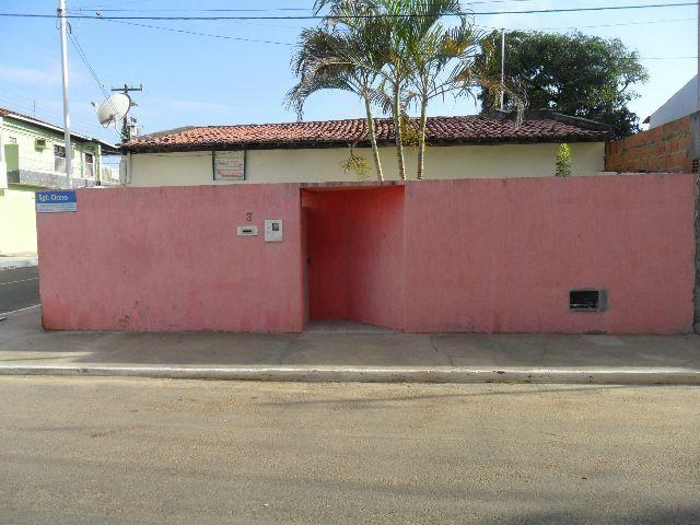 Casa de esquina no Bairro Inácio Barbosa