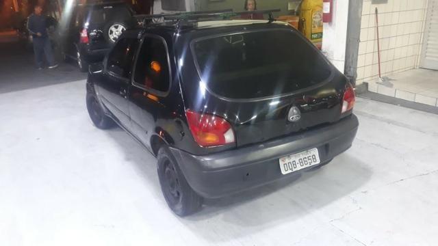 Carro Ford Fiesta 2001 - Foto 4