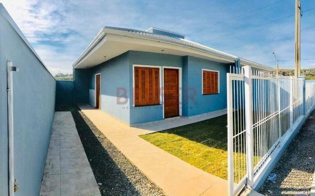 Casa nova com 2 dormitórios e ótimo pátio para lazer!